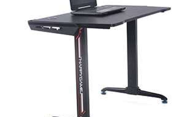 Why buy an adjustable height gaming desk?